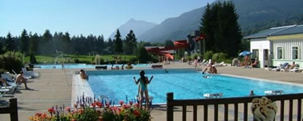Swimming pool in summer in Samoens